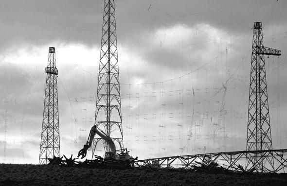 crane taking a BBC worldwide mast to pieces in Rampisham